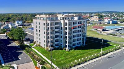 Monmouth County Condo/Townhouse For Sale: 388 N Ocean Avenue #5c