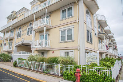 Seaside Heights Condo/Townhouse For Sale: 15 Sumner Avenue #4