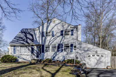 Middletown Single Family Home For Sale: 17 Maplewood Drive