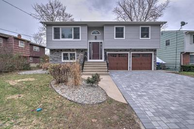 Brick Single Family Home For Sale: 9 Lenape Trail