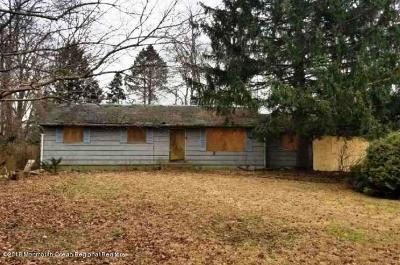 Manalapan Single Family Home Under Contract: 427 Gordons Corner Road