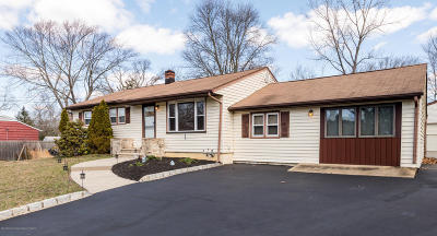 Howell Single Family Home For Sale: 35 Lake Drive