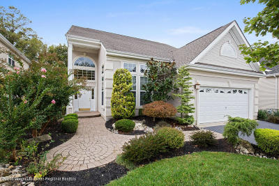 Manalapan Adult Community For Sale: 27 Whirlaway Road