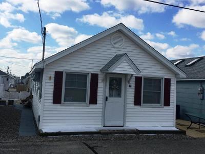 Seaside Park NJ Single Family Home For Sale: $359,000