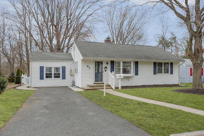 Middletown Single Family Home Under Contract: 47 Crestview Drive