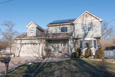 Beachwood Single Family Home For Sale: 658 Cable Avenue
