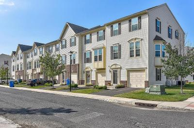 Tinton Falls Condo/Townhouse For Sale: 111 Kyle Drive