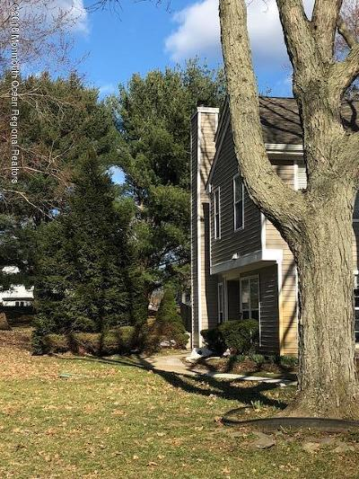 Freehold Condo/Townhouse For Sale: 12 Duncan Way