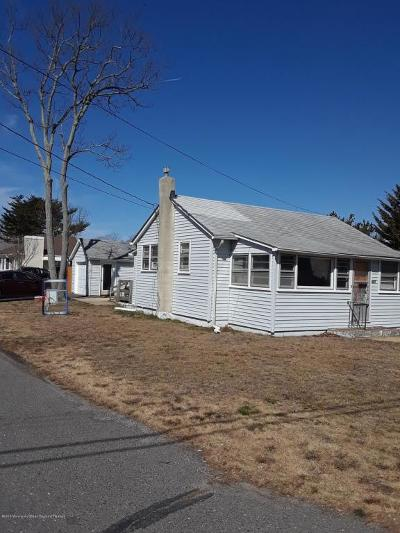 Point Pleasant Single Family Home For Sale: 607 Barton Avenue