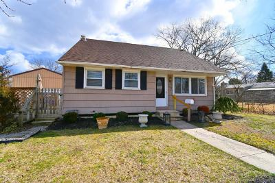 Brick Single Family Home For Sale: 105 Hoover Drive
