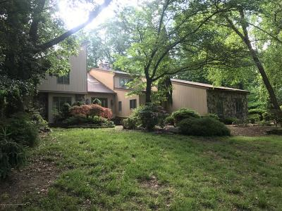 Holmdel Single Family Home For Sale: 16 Cottonwood Lane