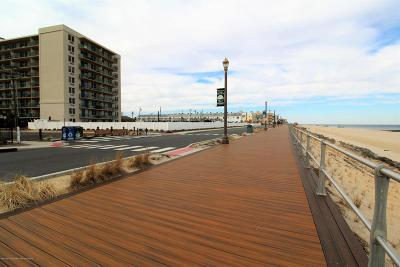 Long Branch Condo/Townhouse Under Contract: 480 Ocean Avenue #5k