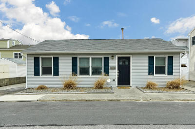Lavallette Single Family Home Continue To Show: 246 Kathryn Street