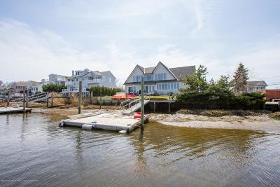 Rumson Single Family Home For Sale: 13 Avenue Of Two Rivers