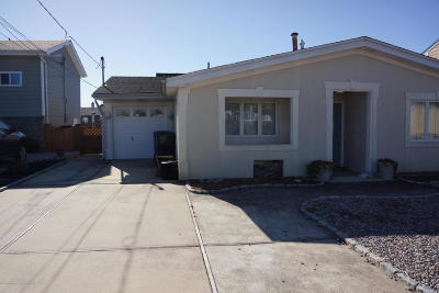 Toms River NJ Single Family Home For Sale: $399,000