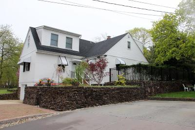 Atlantic Highlands, Highlands Single Family Home For Sale: 27 Sears Avenue