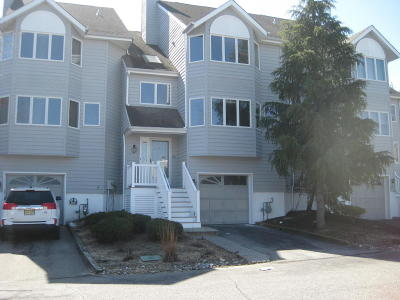 Toms River Condo/Townhouse For Sale: 316 Scarlet Court #31f6
