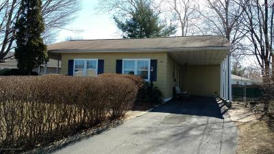 Hazlet Single Family Home For Sale: 2 E Jack Street