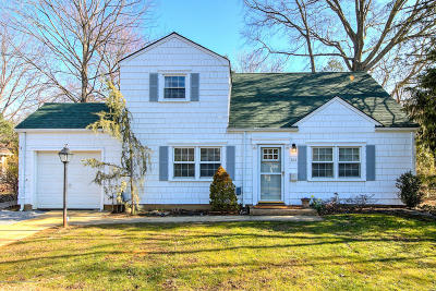 Monmouth County Single Family Home For Sale: 261 Beechwood Drive