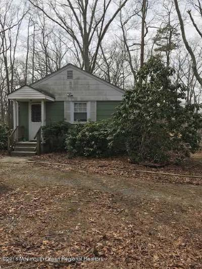 Howell Single Family Home For Sale: 137 Church Road