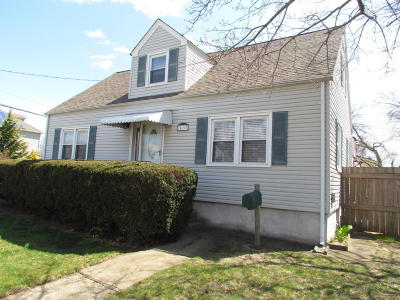 Hazlet Single Family Home For Sale: 120 Munro Avenue