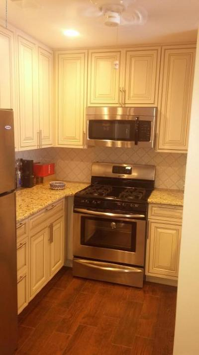 Condo/Townhouse Under Contract: 2 Basset Court