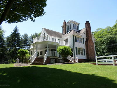 Middletown Single Family Home For Sale: 170 Red Hill Road