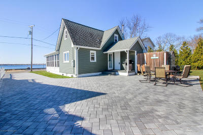 Toms River Single Family Home For Sale: 9 Bay Shore Drive