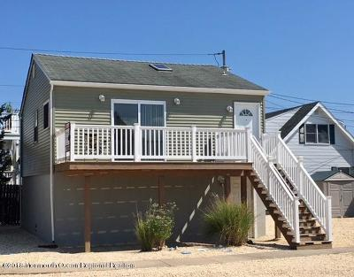 Seaside Heights Condo/Townhouse For Sale: 433 Bayside Terrace #4