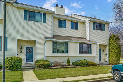 Middletown Condo/Townhouse Under Contract: 358 Middlewood Road
