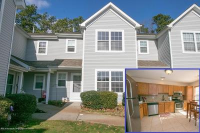 Toms River Condo/Townhouse For Sale: 202 Prosperity Court