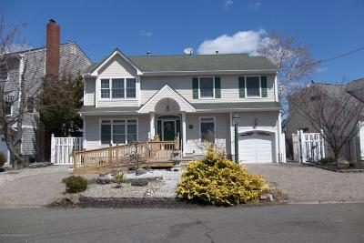 Point Pleasant Single Family Home For Sale: 1654 East Drive