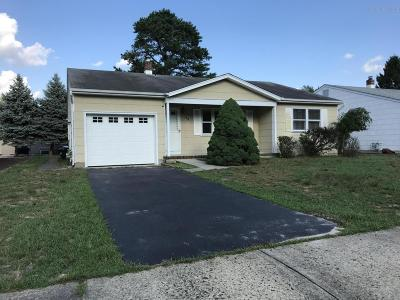 Toms River NJ Adult Community For Sale: $159,900