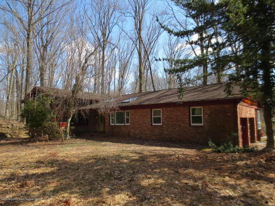 Holmdel Single Family Home For Sale: 18 Mount Drive