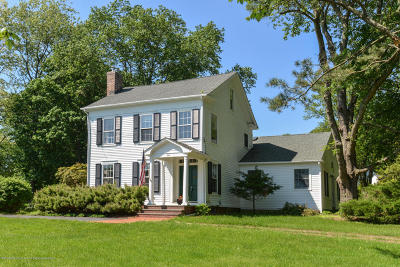 Holmdel Single Family Home For Sale: 84 Crawfords Corner Road