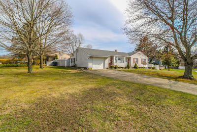 Jumping Brook Single Family Home For Sale: 22 Toomin Drive