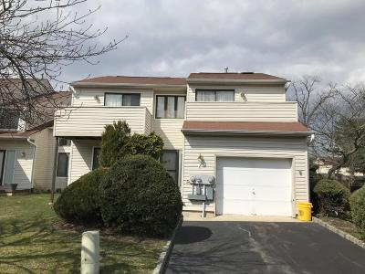 West Long Branch Condo/Townhouse Under Contract: 2 Park Meadow Lane