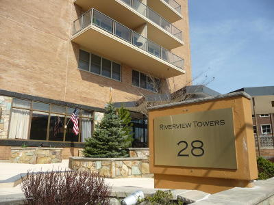 Red Bank Condo/Townhouse For Sale: 28 Riverside Avenue #1B