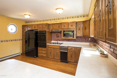 Middletown Single Family Home For Sale: 1110 Highway 36