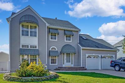 Brick Single Family Home For Sale: 22 Cedar Island Drive