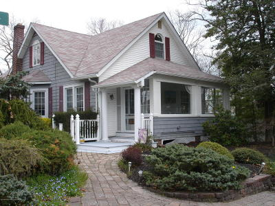 Single Family Home Under Contract: 15 May Place