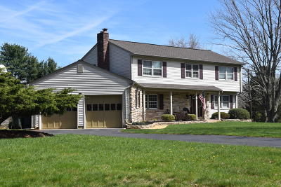 Freehold Single Family Home For Sale: 140 Windham Way