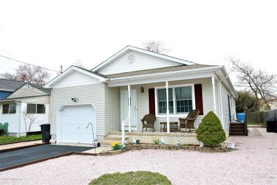 Toms River Single Family Home For Sale: 562 George Road