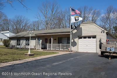 Toms River Single Family Home For Sale: 179 Stowe Street