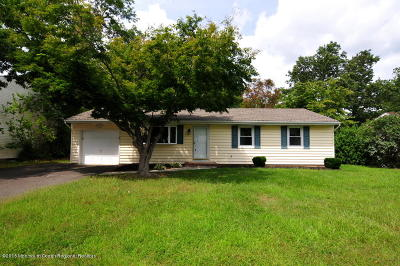 Manchester Single Family Home For Sale: 2409 Holly Hill Road