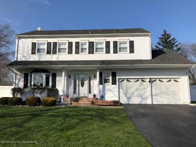 Hazlet Single Family Home Under Contract: 9 Tall Oaks Drive