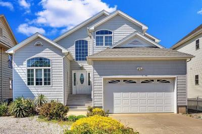 Point Pleasant Single Family Home For Sale: 13 Trenton Avenue