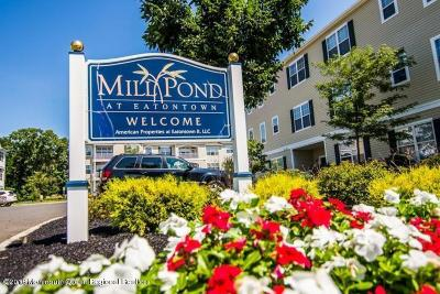 Eatontown Condo/Townhouse For Sale: 138 Mill Pond Way