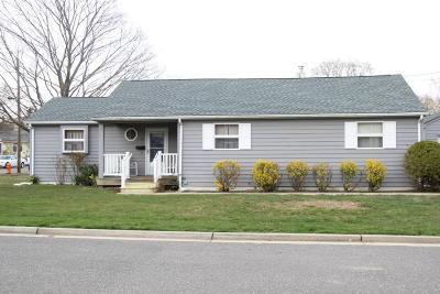 Point Pleasant Single Family Home Under Contract: 1181 Ridgefield Drive