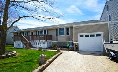 Point Pleasant Single Family Home For Sale: 1824 Shore Boulevard